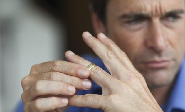 o-MAN-DIVORCE-facebook